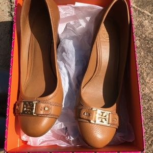 Tory Burch Ambrose 65mm Wedge, size 8